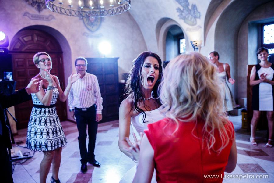 svatebni-hostina-fotografie-048